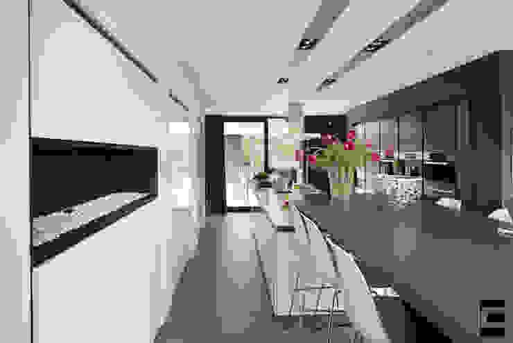 Vrijstaand woonhuis Oisterwijk Moderne keukens van Geert van den Oetelaar . Architect Modern