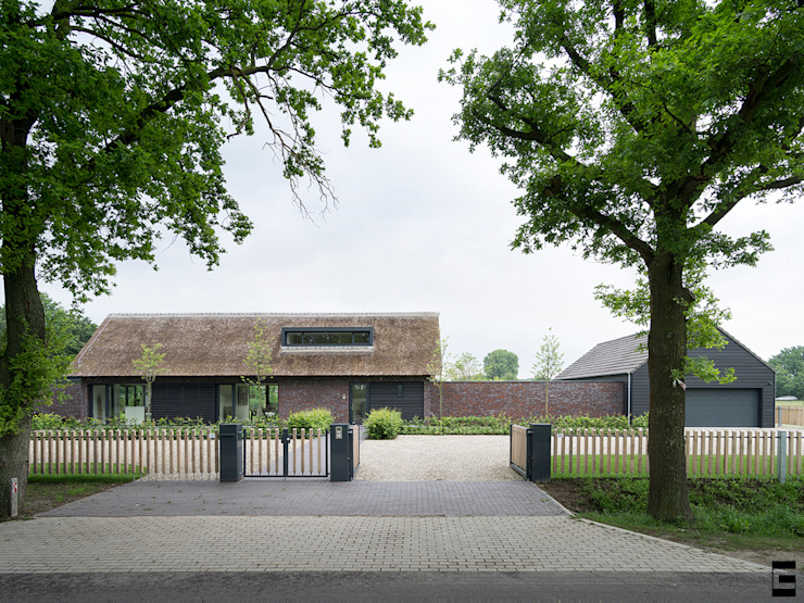 Voorgevel Moderne huizen van Geert van den Oetelaar . Architect Modern