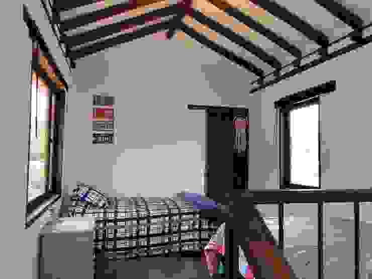 Casa De Campo El Cucharal Habitaciones de estilo clásico de Pro Escala Arquitectos SAS Clásico