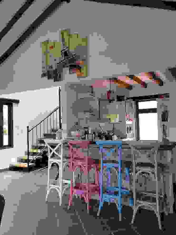 Casa De Campo El Cucharal Comedores de estilo clásico de Pro Escala Arquitectos SAS Clásico