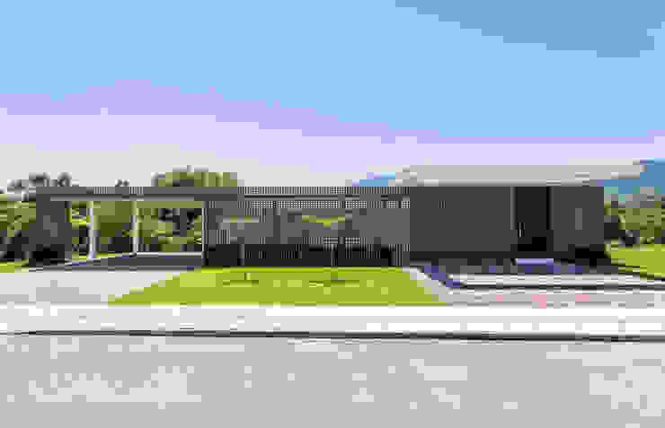 ArchDesign STUDIO Rumah tinggal