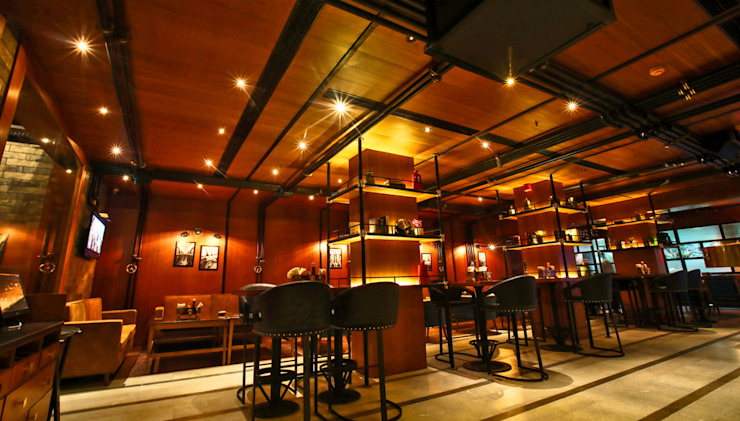 Ministry of Beer Gurugram Modern bars & clubs by Studio Interiors Infra Height Pvt Ltd Modern