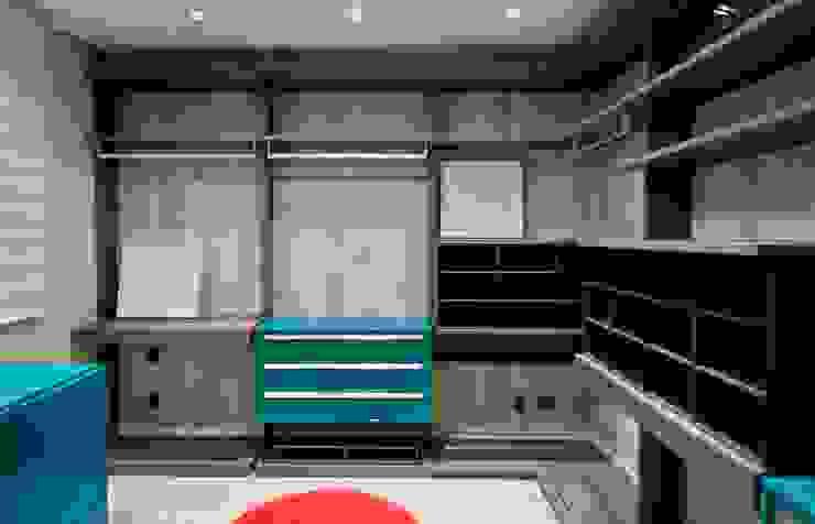 ArchDesign STUDIO Ruang Ganti Modern