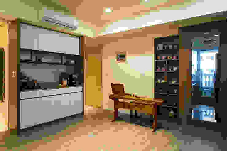 悠然 根據 松泰室內裝修設計工程有限公司 古典風 合板