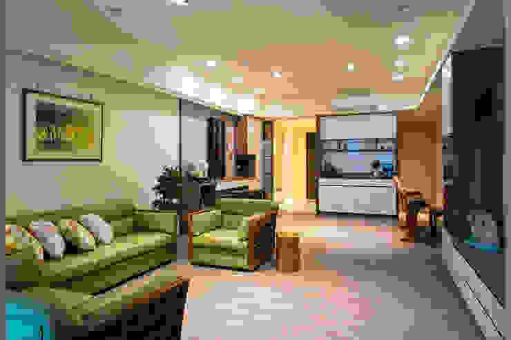 悠然 根據 松泰室內裝修設計工程有限公司 古典風 複合木地板 Transparent