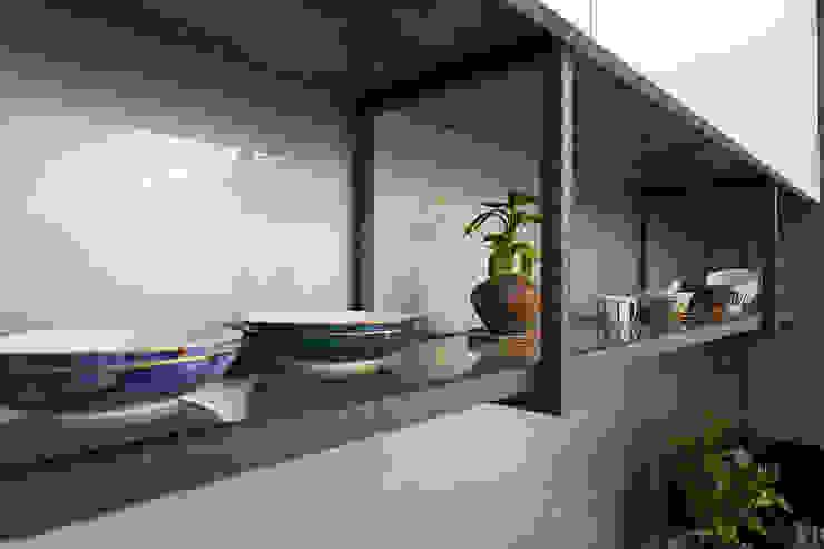 悠然 根據 松泰室內裝修設計工程有限公司 古典風 鐵/鋼