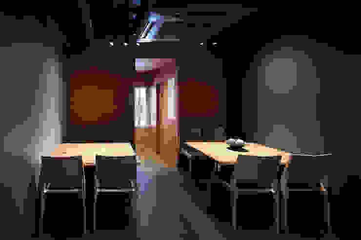 テーブル席 の 株式会社 藤本高志建築設計事務所