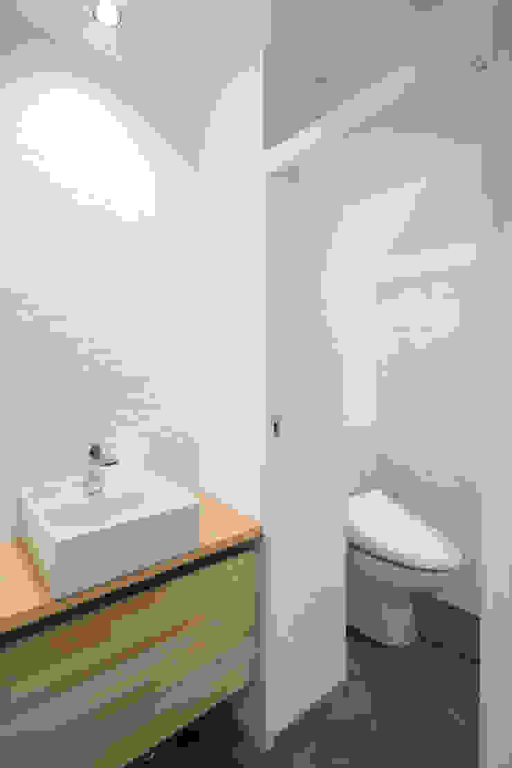 手洗い室 の 株式会社 藤本高志建築設計事務所