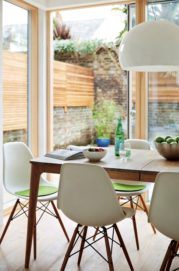 House remodeling in South London Scandinavian style dining room by Dittrich Hudson Vasetti Architects Scandinavian