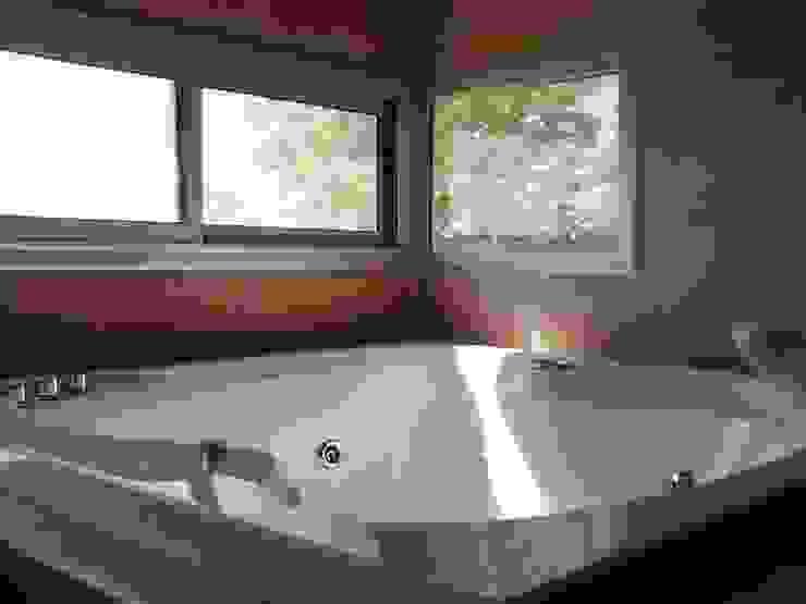 Modern bathroom by homify Modern Concrete
