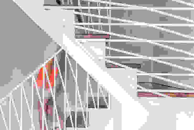Balustrada X od Marmur Studio
