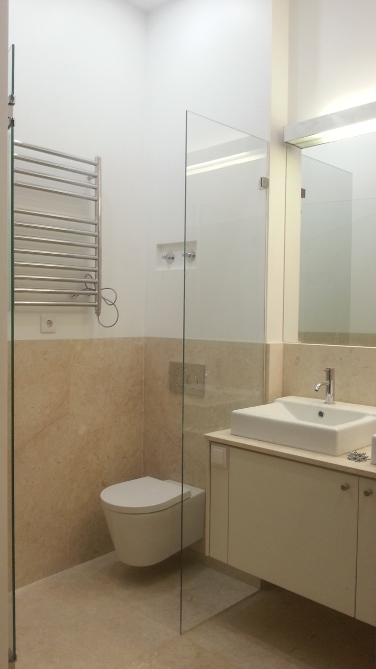Modern bathroom by BCA Arquitetura Modern