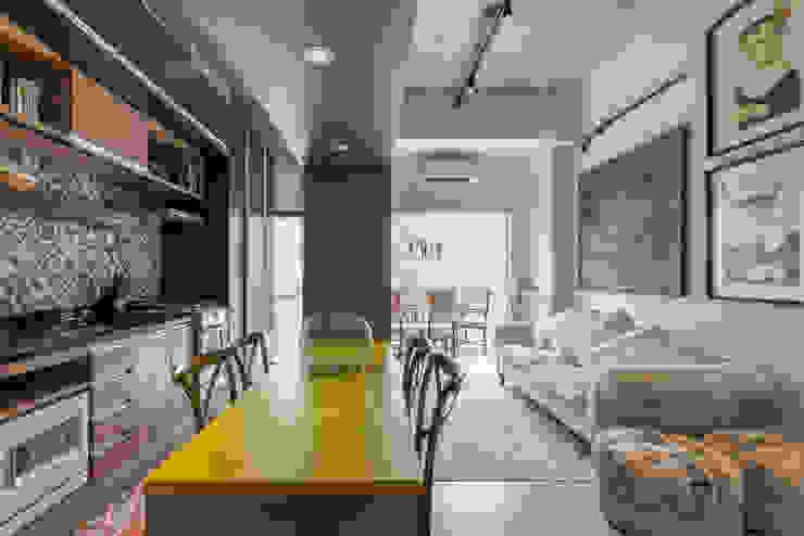 Studio Ideação Ruang Keluarga Klasik