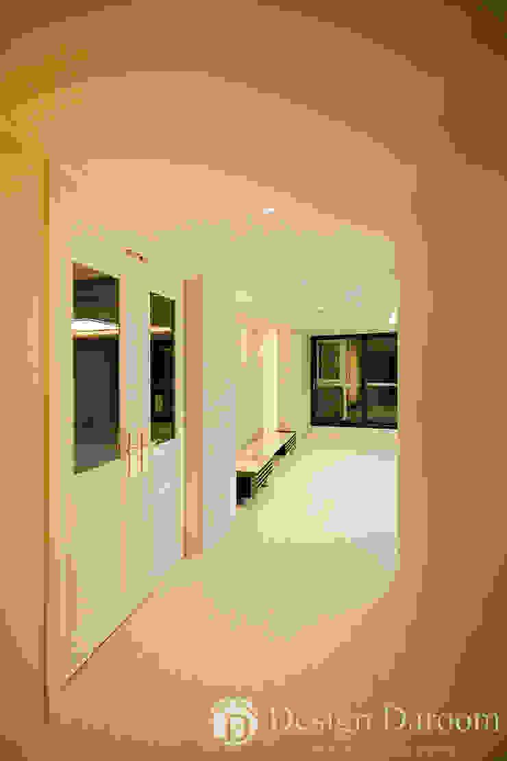 광장동 현대홈타운 12차 55평형 안방전실 중문 by Design Daroom 디자인다룸 모던