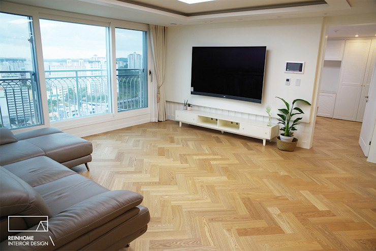 Moderne Wohnzimmer von 리인홈인테리어디자인스튜디오 Modern