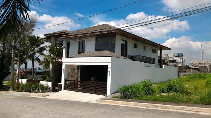 Front of RS Residence KDA Design + Architecture Detached home White