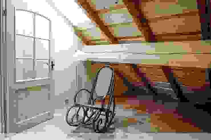 Dachausbau mit Galerie Schlafzimmer im Landhausstil von Thisalo GmbH Landhaus