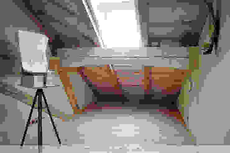 Dachausbau mit Galerie Arbeitszimmer im Landhausstil von Thisalo GmbH Landhaus
