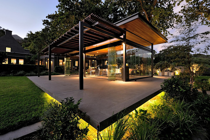 Residential Outdoor Landscape lighting design by Elettrico Lighting LLC Modern Wood Wood effect