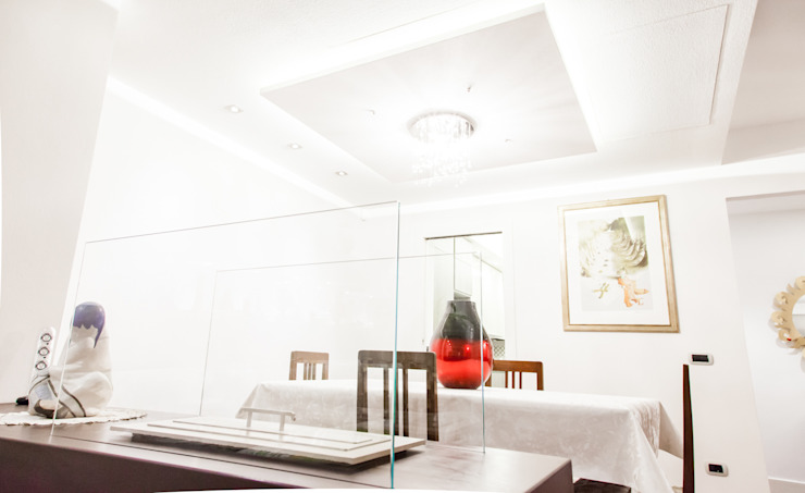 现代客厅設計點子、靈感 & 圖片 根據 Arch. Della Santa Giorgio 現代風