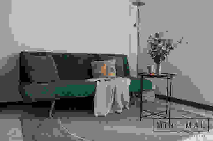 Home staging Bilocale Q. - Salotto MINIMAL   Laboratorio d'Interni Soggiorno moderno