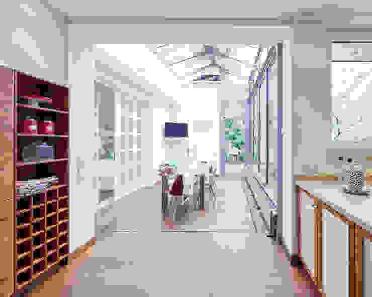 Exponierte Unternehmervilla in Bestlage - Geniessen Klassischer Wintergarten von Tschangizian Home Staging & Redesign Klassisch