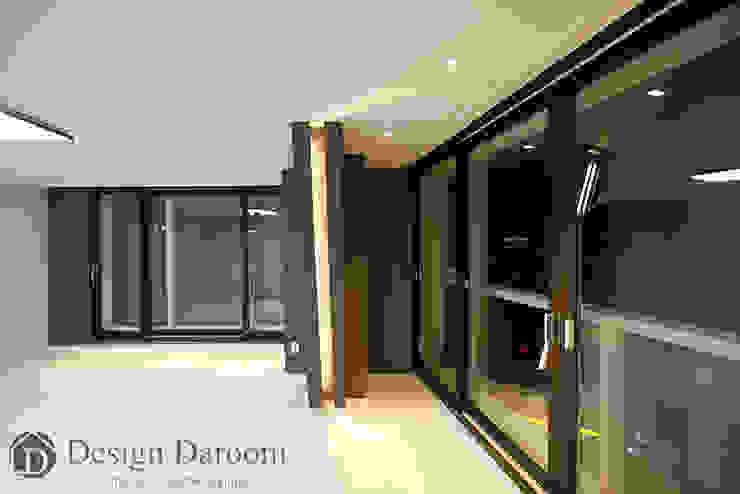 광장동 현대홈타운 12차 55평형 안방 모던스타일 미디어 룸 by Design Daroom 디자인다룸 모던