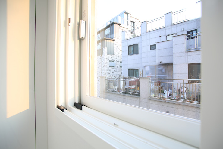 성내동 퀸즈빌 인테리어 리모델링(18py) 모던스타일 침실 by 바나나웍스 모던 플라스틱