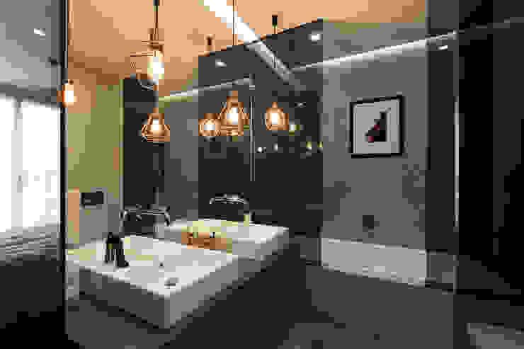Dmowska design Modern style bathrooms