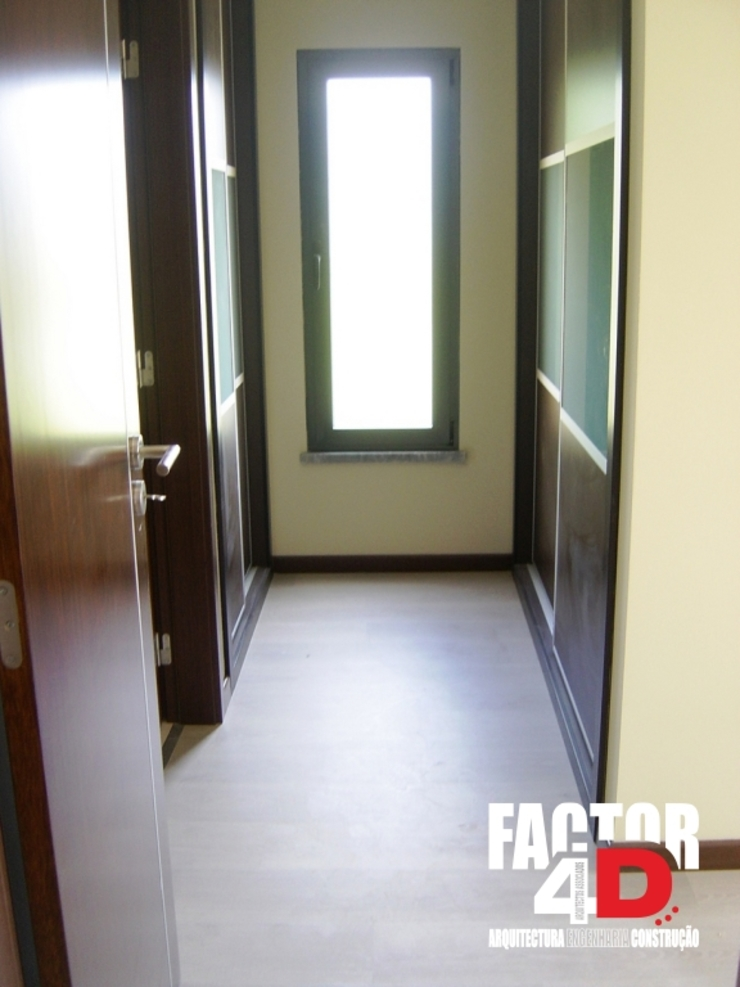 Vestidores de estilo moderno de Factor4D - Arquitetura, Engenharia & Construção Moderno