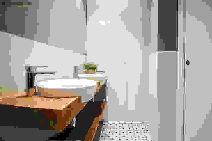 DonateCaballero Arquitectos Scandinavian style bathroom