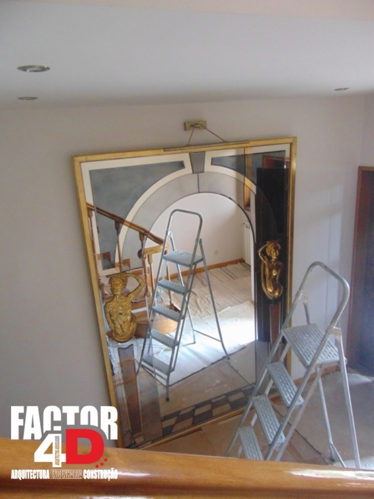 Factor4D - Arquitetura, Engenharia & Construção Classic style corridor, hallway and stairs