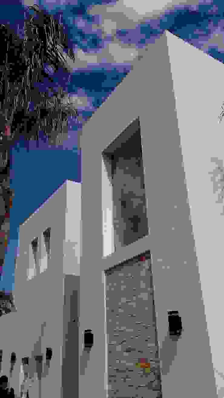 Acceso de MOLEarquitectura Moderno Cuarzo