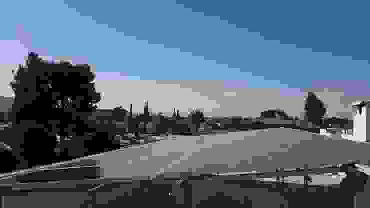 Paneles Solares en casa de Torreón MLU090608CF4 Estudios y despachos de estilo moderno