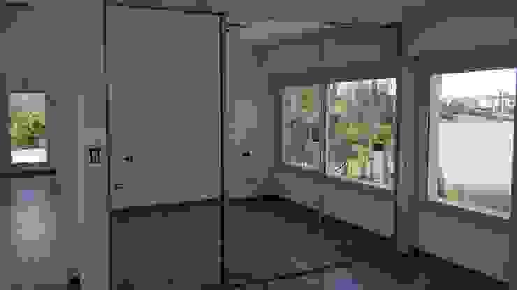 Interior dormitorio Dormitorios modernos: Ideas, imágenes y decoración de MOLEarquitectura Moderno Vidrio