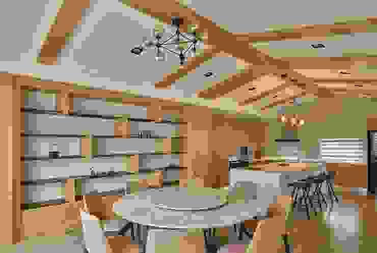 Dining room by 澤序空間設計有限公司