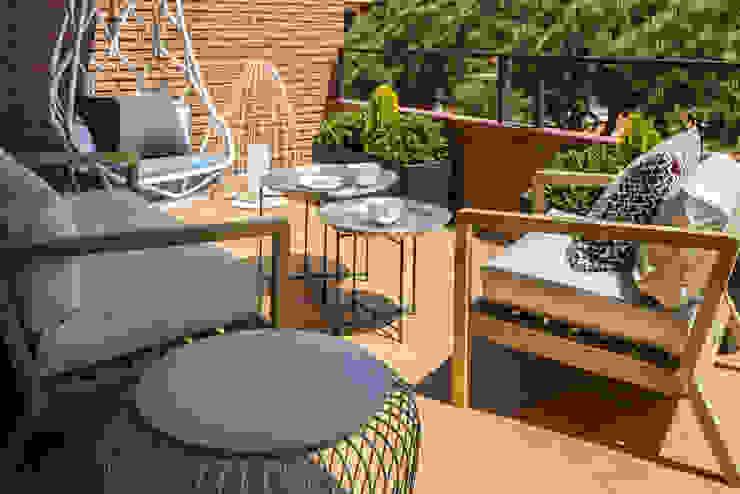 Vivienda Gavà Balcones y terrazas de estilo mediterráneo de The Room Studio Mediterráneo
