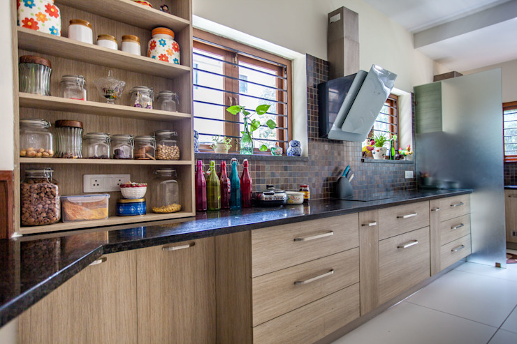 Paven Modern kitchen by Design Dna Modern