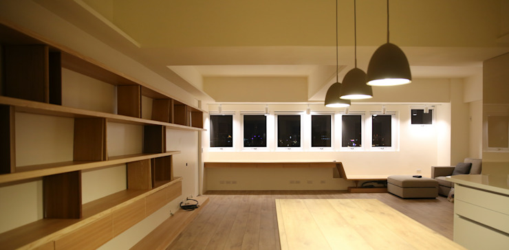 2015和平周宅 现代客厅設計點子、靈感 & 圖片 根據 王采元工作室 現代風
