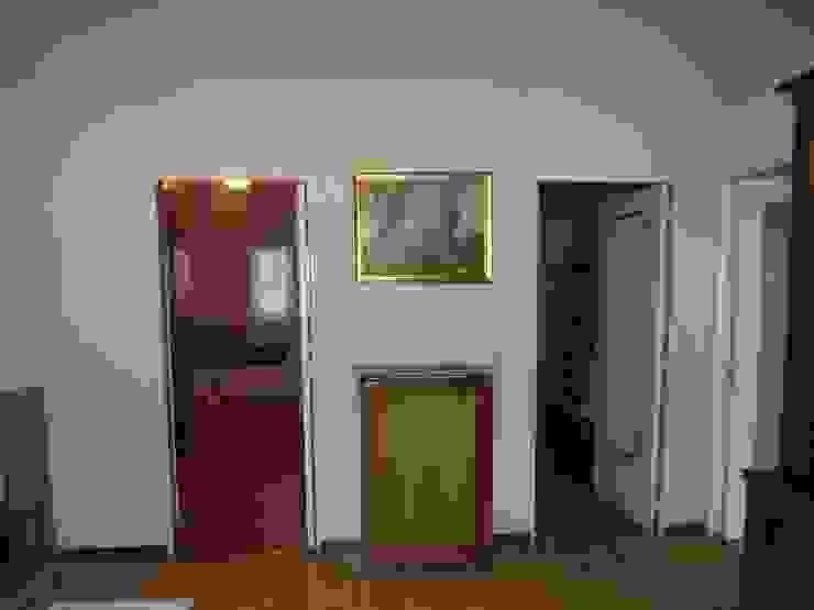Puertas dormitorios Pasillos, vestíbulos y escaleras de estilo escandinavo de Almudena Madrid Interiorismo, diseño y decoración de interiores Escandinavo