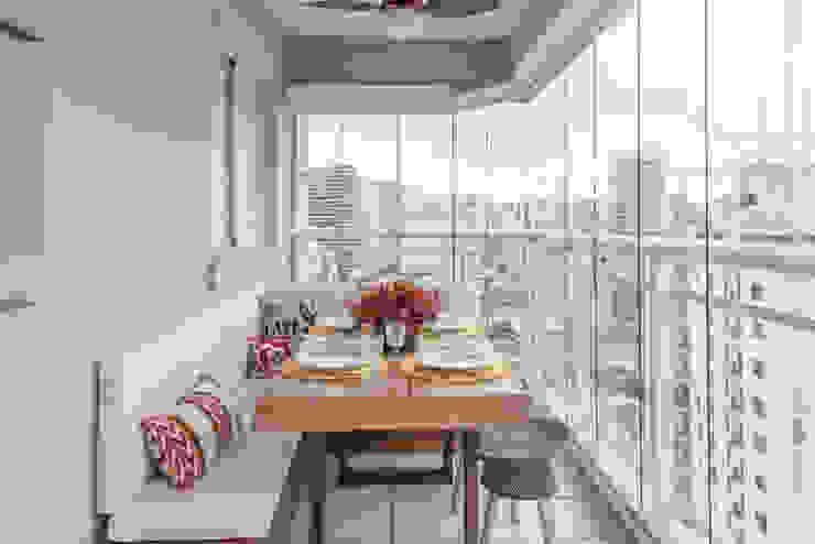 Start Arquitetura Balcone, Veranda & Terrazza in stile moderno