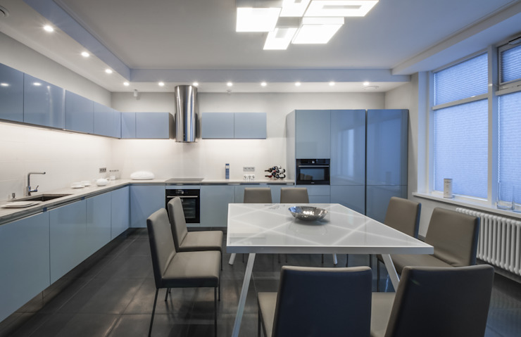 Irina Derbeneva Minimalist kitchen Blue