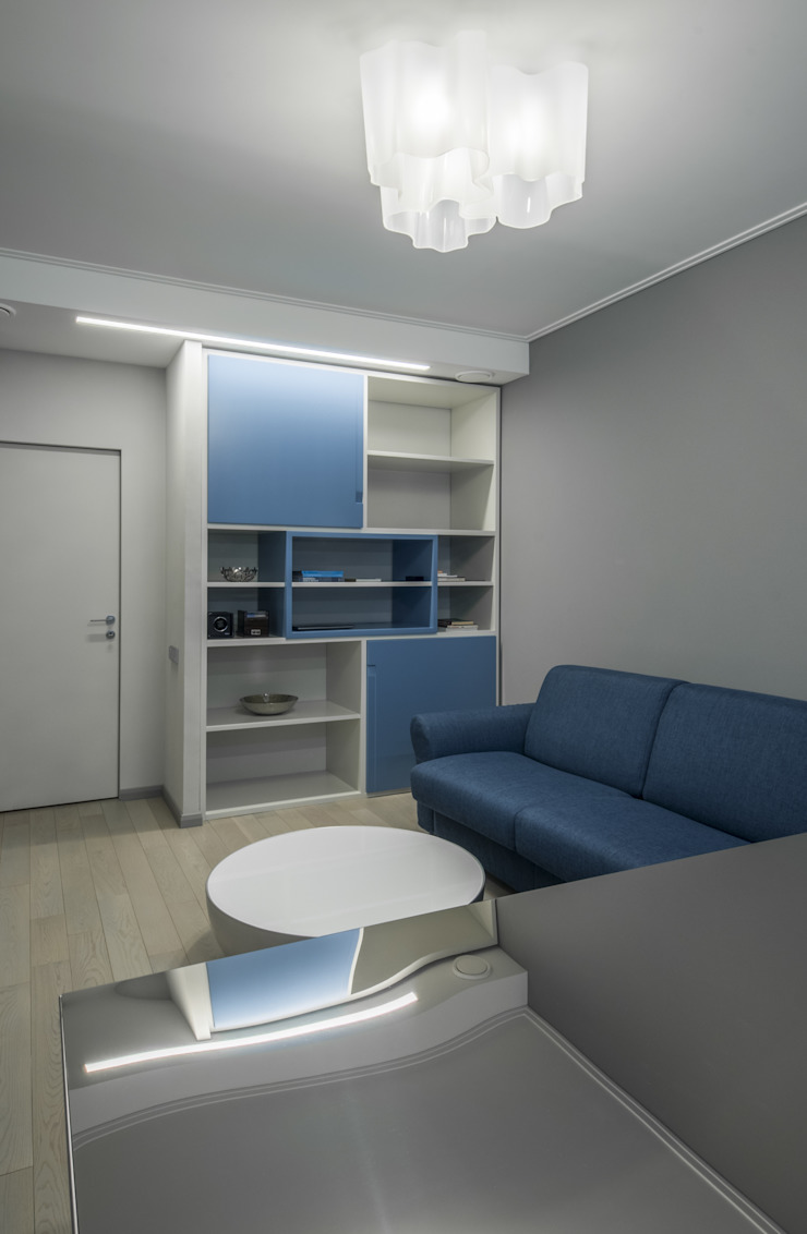 Irina Derbeneva Minimalist study/office Blue