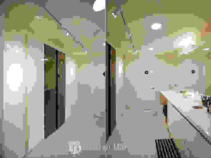 광장동 현대홈타운 53평형 드레스룸 모던스타일 드레싱 룸 by Design Daroom 디자인다룸 모던
