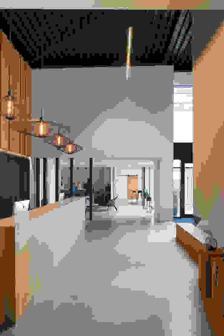 Showroom De Plankerij Moderne muren & vloeren van De Plankerij BVBA Modern Hout Hout