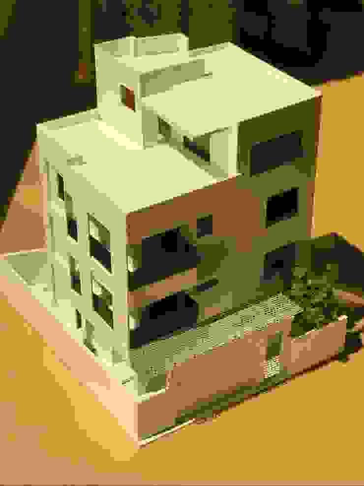 模型 現代房屋設計點子、靈感 & 圖片 根據 劉勇信建築師事務所 現代風