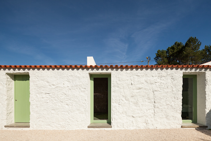 by Manuel Tojal Architects Rustic