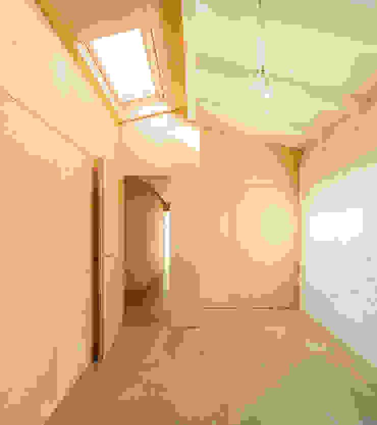 Minimalist bedroom by Manuel Tojal Architects Minimalist