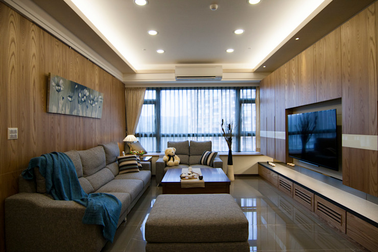 Classic style living room by 青築制作 Classic