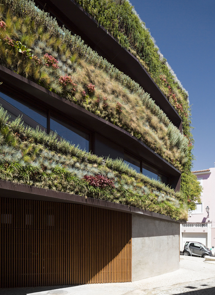Minimalist house by Manuel Tojal Architects Minimalist